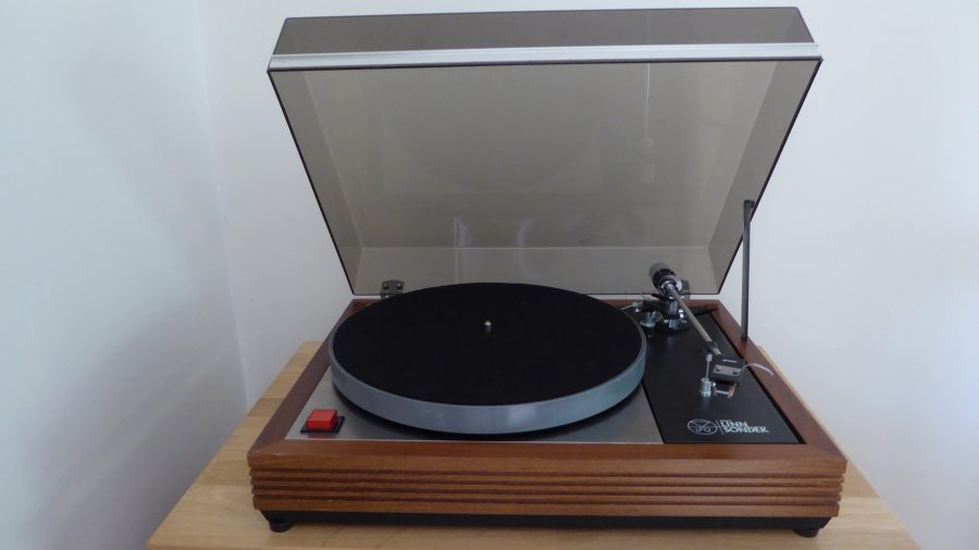 Linn Sondek LP12 big red button