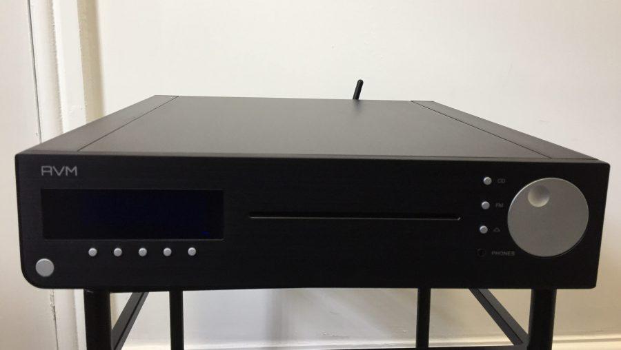 AVM CS2.2 CD player/streamer/tuner/amp